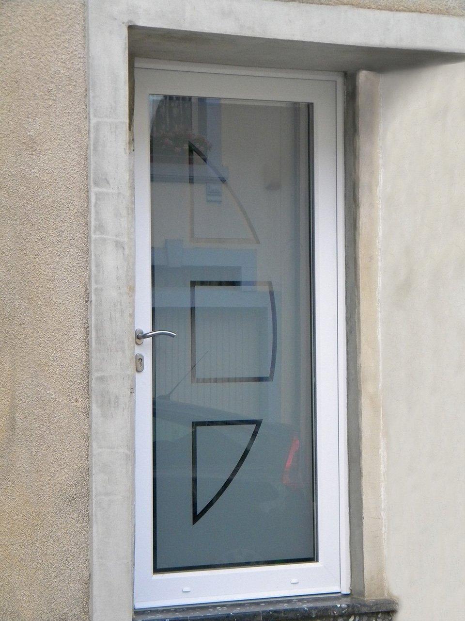 Portes extérieures PVC avec vitrage personnalisé